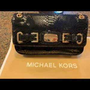 MTW Michael Kors  black and gold chain handle